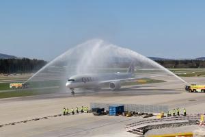 Qatar_A350_A7ALN_04_ZRH