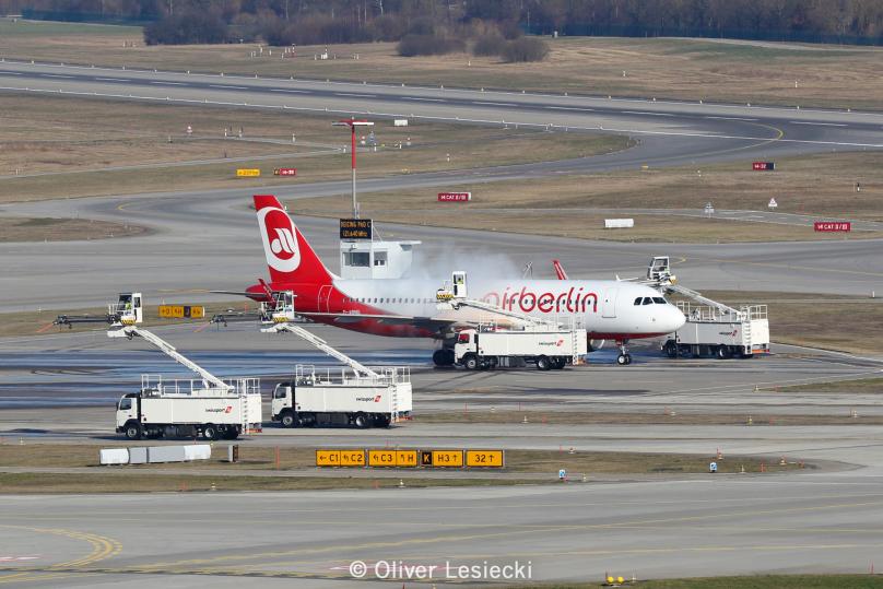 WM_AirBerlin_A320_DABNO_01_ZRH