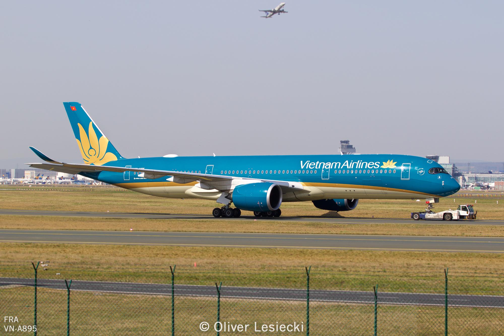 X_VietnamAirlines_A350_VNA895_02_FRA_080418