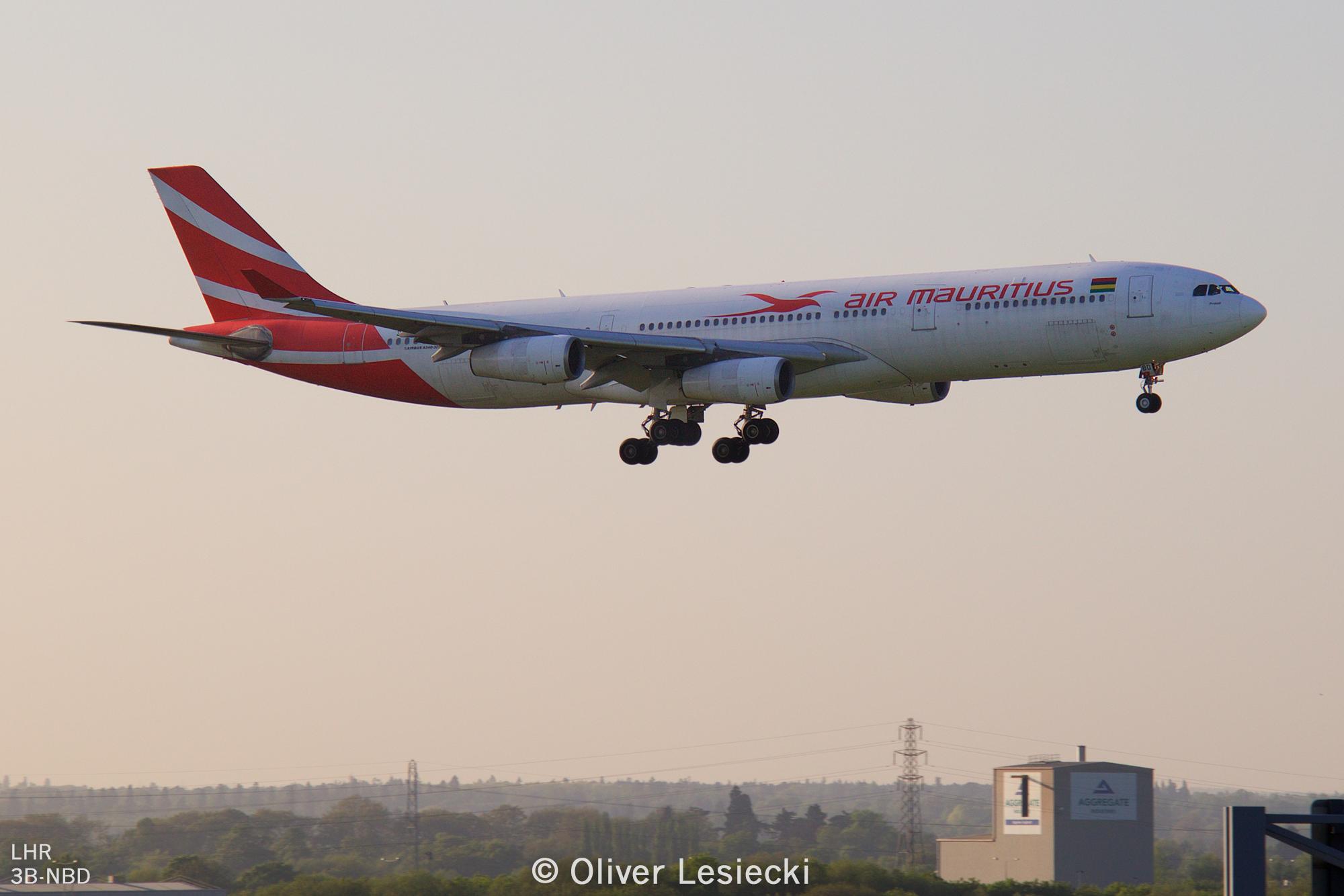 X_AirMauritius_A340_3BNBD_02_LHR_050518