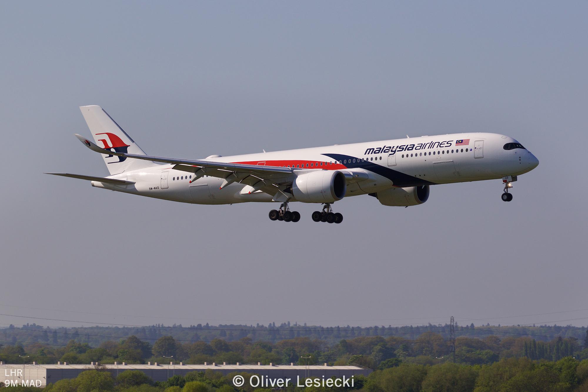 X_Malaysia_A350_9MMAD_02_LHR_050518_IG7