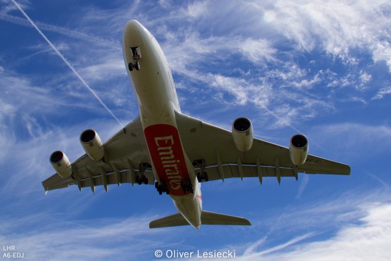 X_Emirates_A380_A6EDJ_01_LHR_230618