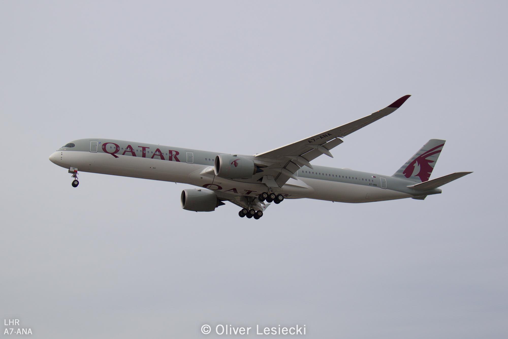 X_Qatar_A350_A7ANA_01_LHR_230618_IG7