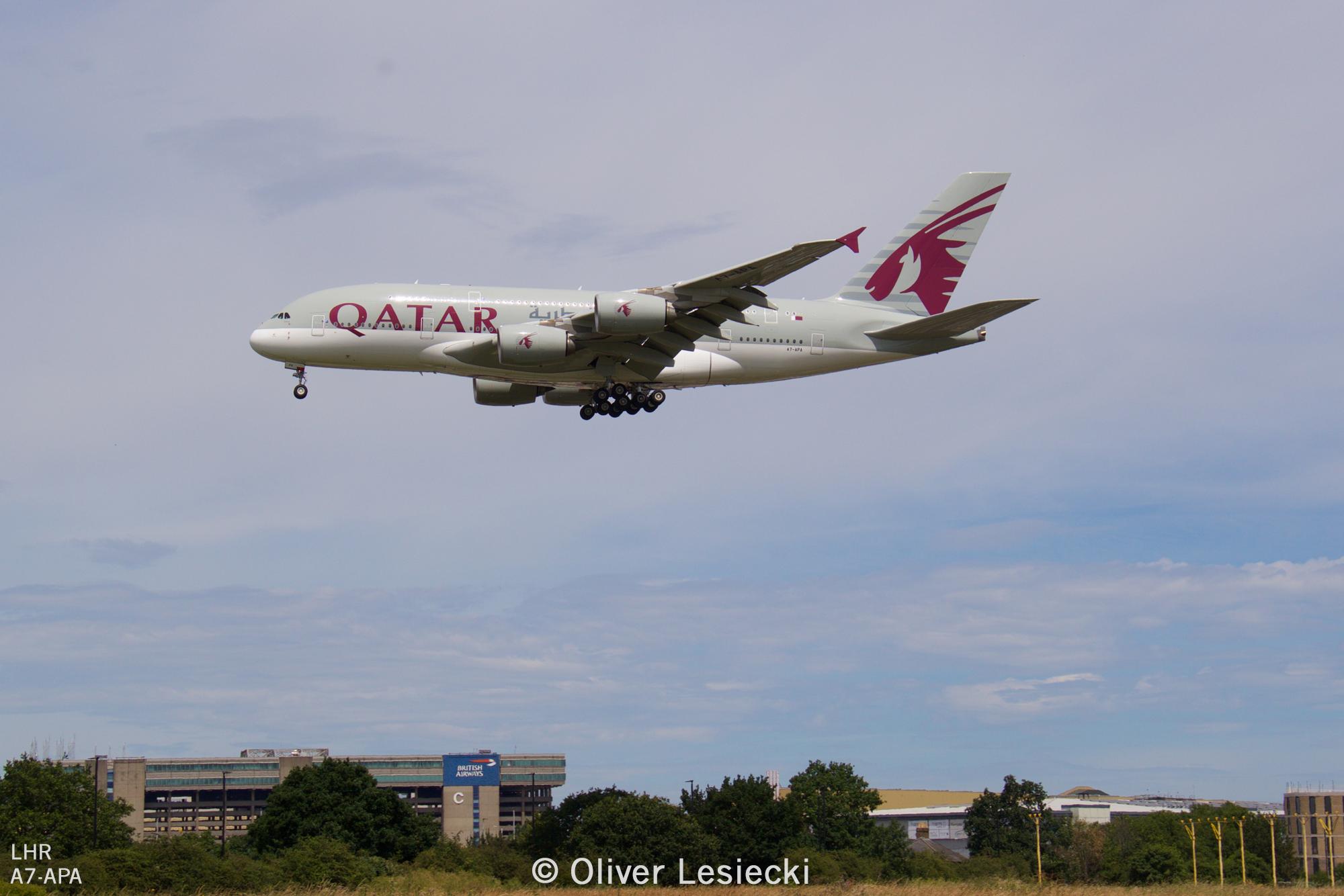 X_Qatar_A380_A7APA_02_LHR_230618