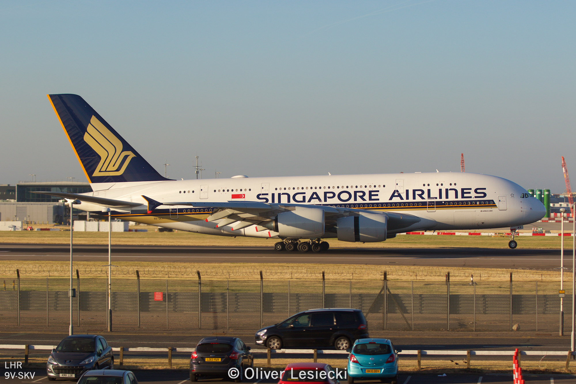 X_Singapore_A380_9VSKV_01_LHR_230618_IG7